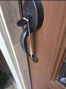 If You Ever Find A Rubber Band On Your Front Door, Stop Everything And Call  The Police.